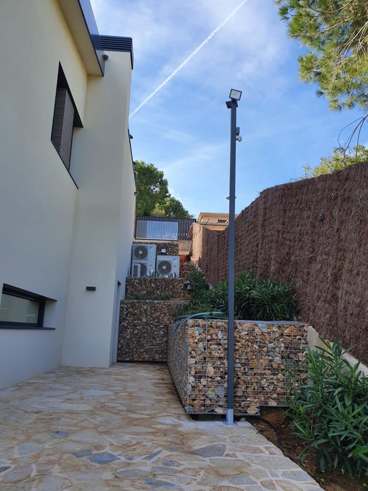 ILUMINACIO - Iluminación exterior con sensores de movimiento