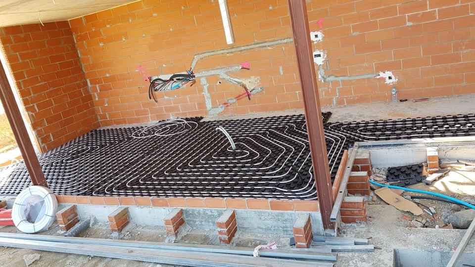 INSTALL - Instalación suelo radiante por agua